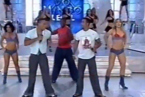 Outra figurinha carimbada nos programas do apresentador era o grupo É o Tchan